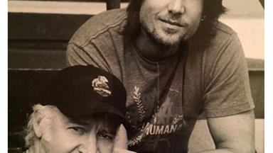 Keith Urban pays tribute to his late father