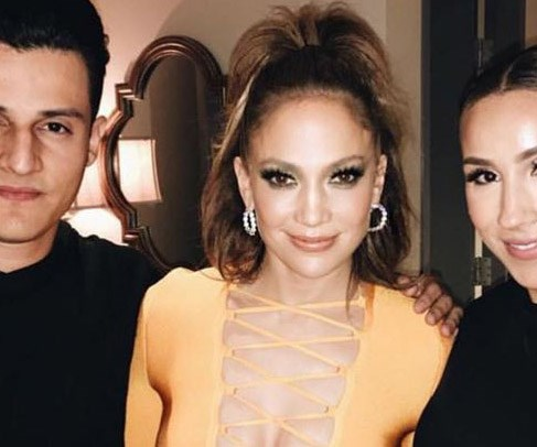 Jennifer Lopez sizzles in revealing dress