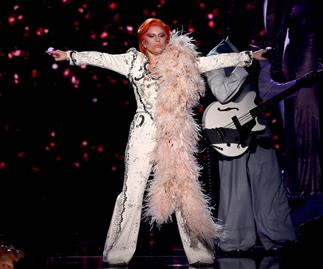 Lady Gaga pays tribute to David Bowie at the Grammys