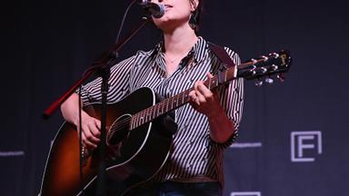 Missy Higgins releases moving song for refugee children