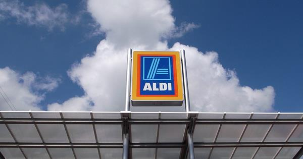 aldi and lidl geographical presence strategy Aldi and lidl: international expansion of the two german grocery discounters: case study recommendations to lidl on its geographical presence strategy: lidl has.