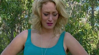 Clare dumps 'absolute prick' Jono