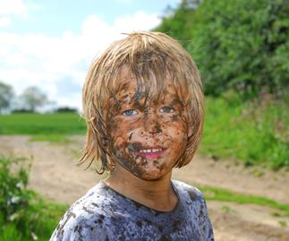why you should let your kids play in dirt