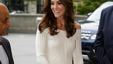 Kate stuns in daring dress