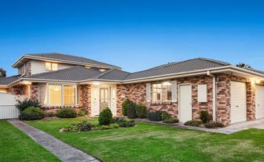 Kath and Kim's 'effluent' house is on the market