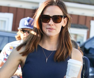Jennifer Garner daughters science project photo