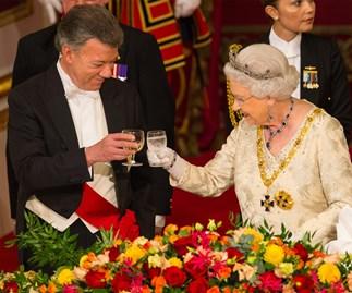 Queen Elizabeth and Colombian president Juan Manuel Santos