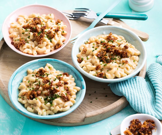 Vegan macaroni and cheese with tempeh bacon bits