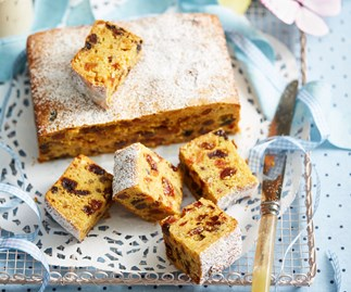 BOILED PASSIONFRUIT FRUIT CAKE