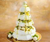 How to make a towering pavlova Christmas tree