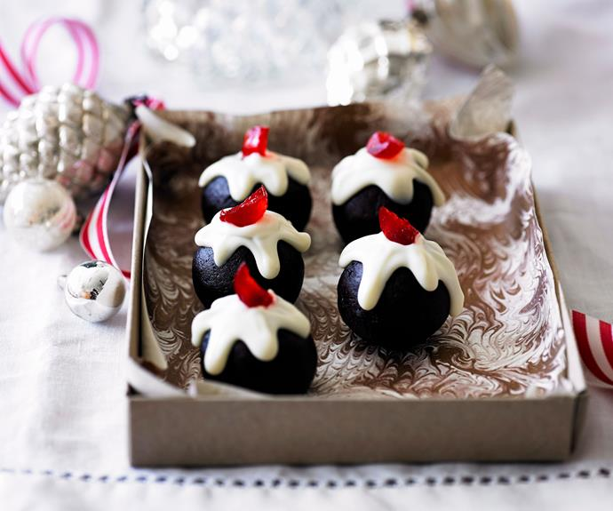 """The recipe for these adorable [mini Christmas pudding truffles](https://www.womensweeklyfood.com.au/recipes/little-chocolate-christmas-puddings-6658