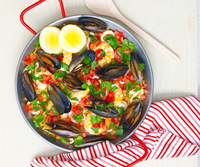 """**[Quick and easy seafood paella](https://www.womensweeklyfood.com.au/recipes/easy-paella-recipe-3750