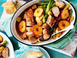 Pork fillet with apple and leek