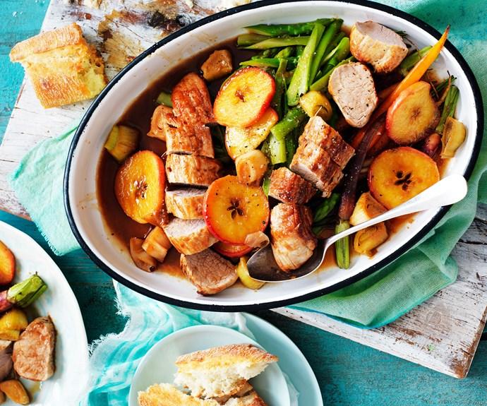 Pork fillet with apple and leek