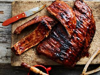 Pork ribs with sticky barbecue sauce