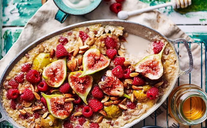 baked porridge recipe with fig and raspberry