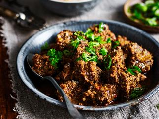 slow cooker beef rendang