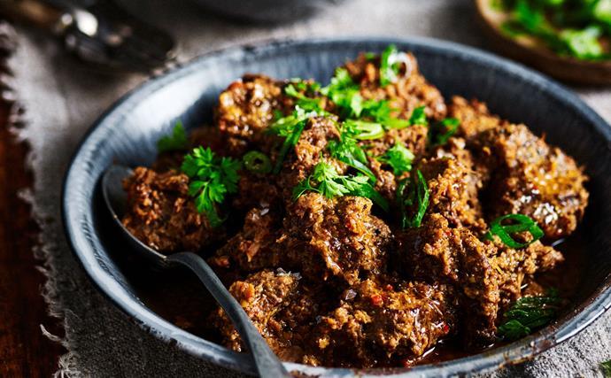 slow cooker beef rendang