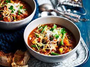 Slow cooker vegetable minestrone