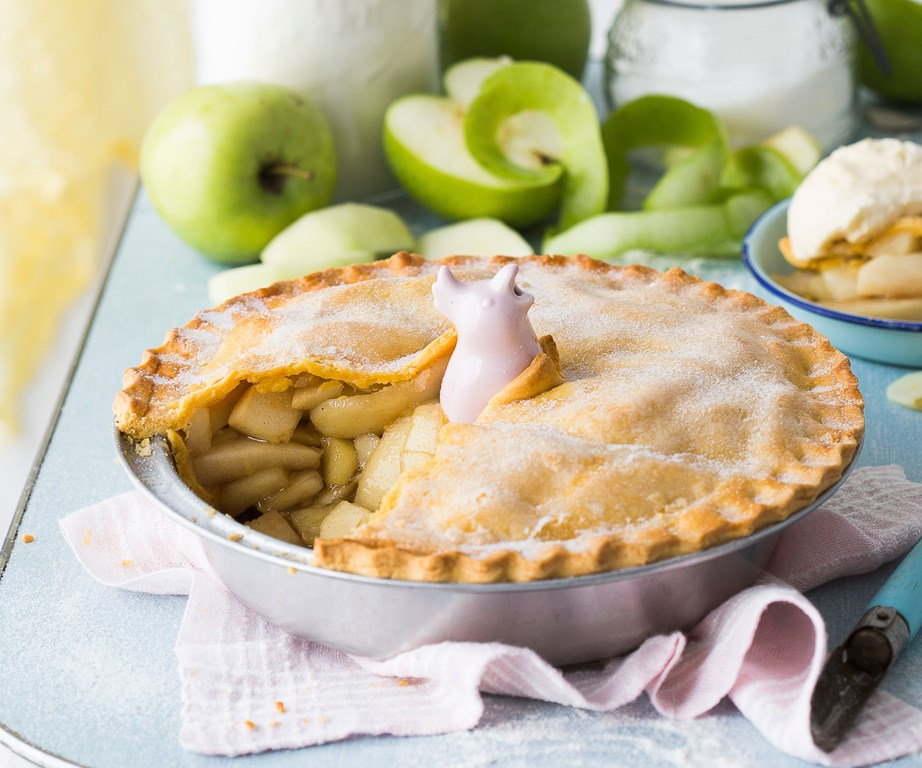 "**[Apple pie](https://www.womensweeklyfood.com.au/recipes/apple-pie-recipe-15483|target=""_blank"")**"