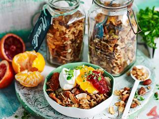 Gluten-free muesli mandarin and cardamom