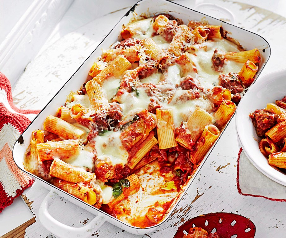 """Sausages are a deliciously convenient way to add extra flavour to a midweek pasta bake. This [Italian sausage pasta bake](https://www.womensweeklyfood.com.au/recipes/italian-sausage-pasta-bake-25723 target=""""_blank"""") recipe calls for the sausage casings to be cut and the contents crumbled into the dish, while this [spicy sausage pasta bake](https://www.womensweeklyfood.com.au/recipes/spicy-sausage-pasta-bake-4512 target=""""_blank"""") uses sliced cooked sausages - perfect for leftovers!"""