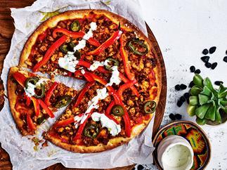 Spiced chicken pizza