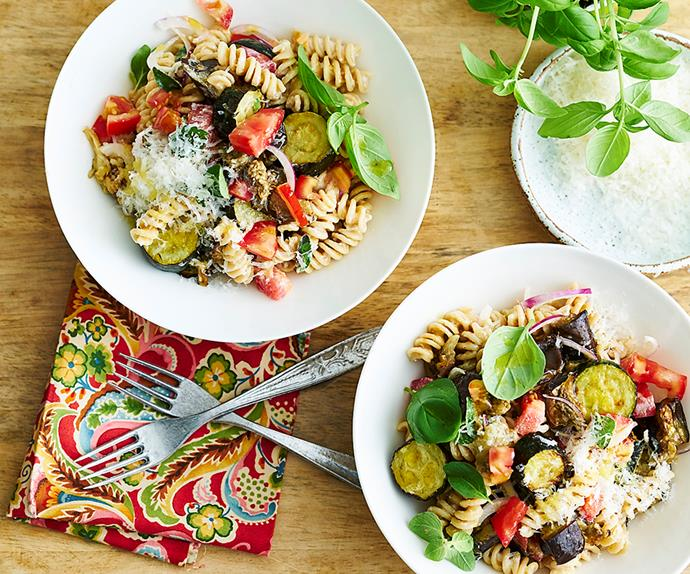 Spelt pasta with vegetables