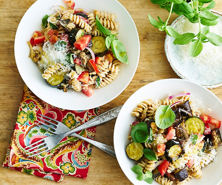 "**[Roast vegetable spelt pasta](https://www.womensweeklyfood.com.au/recipes/roast-vegetable-spelt-pasta-31209|target=""_blank"")**"