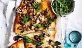 Garlicky mushroom pizza