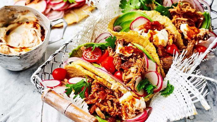 Cauliflower tortillas with pulled pork