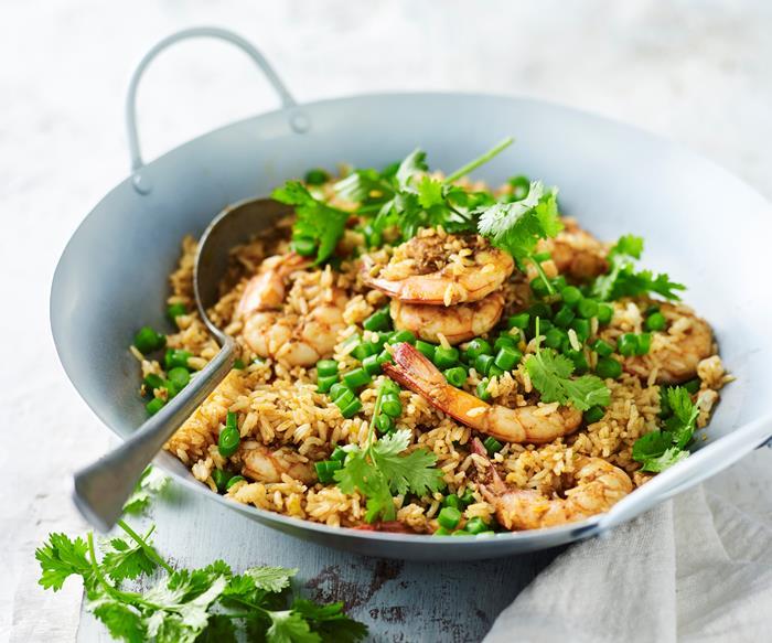 Tom yum fried rice with prawns