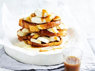 French toast with caramel and banana