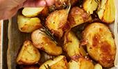 Crispy roast potatoes with rosemary salt