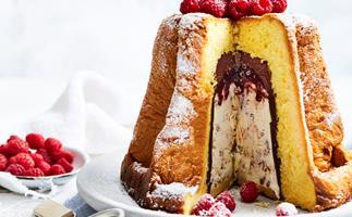 Chocolate hazelnut ice-cream pandoro