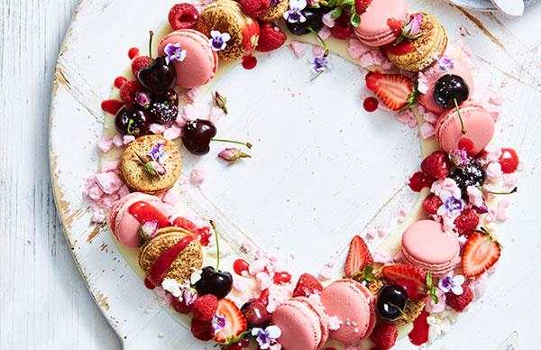 Eton mess wreath