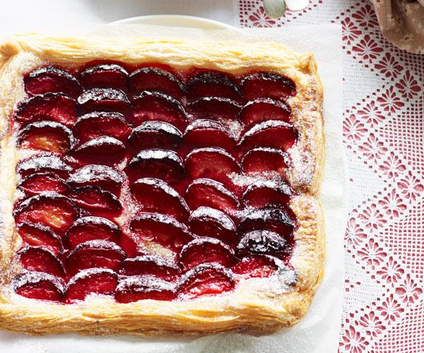 Three-ingredient plum tart