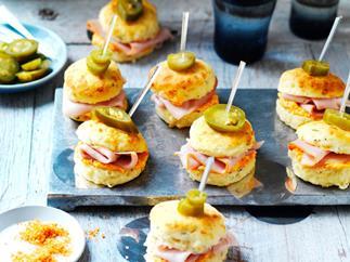 Mini capsicum, ham and jalapeño scones