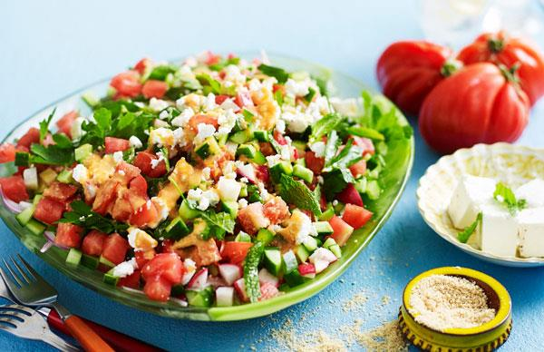 Chopped tomato salad with sesame salt