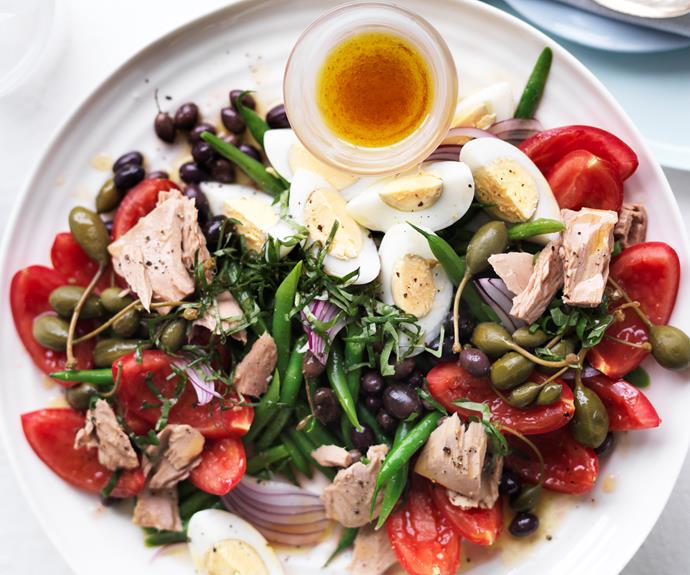 "**[Salad nicoise](https://www.womensweeklyfood.com.au/recipes/salad-nicoise-23296|target=""_blank"")**  Discover this classic French salad —it's delicious, filling and packed with fresh vegies and egg."