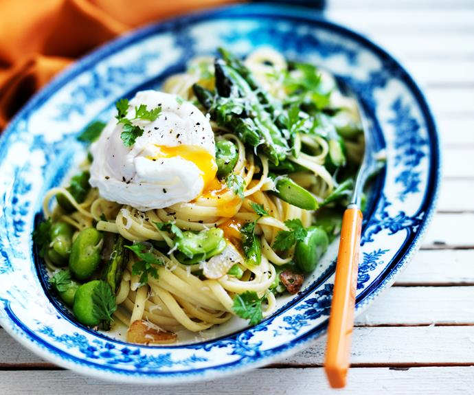 "**[Linguine primavera & poached eggs](https://www.womensweeklyfood.com.au/recipes/linguine-primavera-and-poached-eggs-14609|target=""_blank"")**  A light, summery pasta full of fresh vegetables and topped with a silky, soft-poached egg."