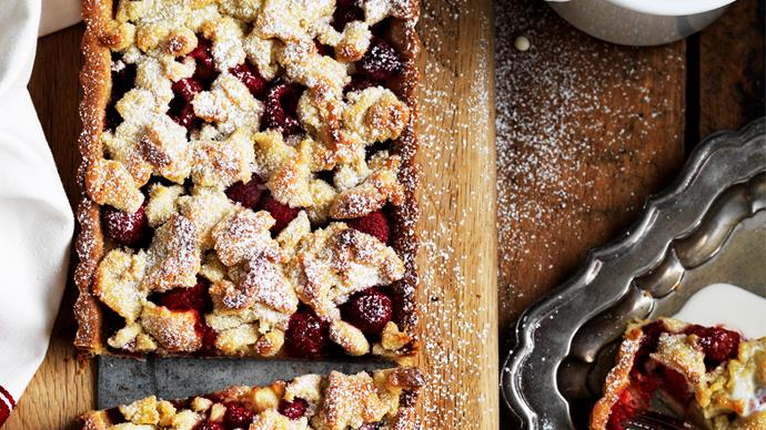 RASPBERRY Crumble ALMOND Tart