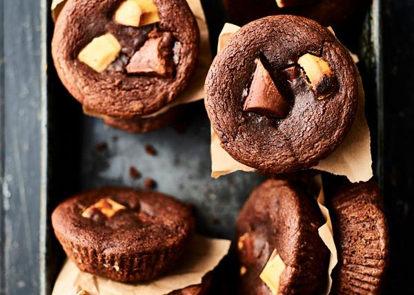 How to make triple choc chunk brownies in your pie maker