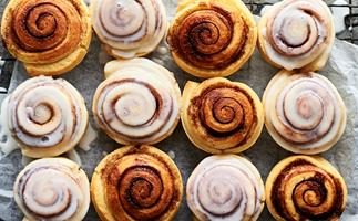 Pie-maker cinnamon scrolls