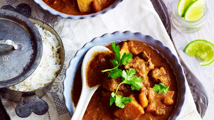 Slow-cooker massaman beef curry