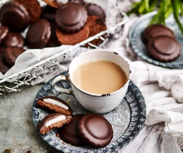 "**[Choc-peppermint cookies](https://www.womensweeklyfood.com.au/recipes/choc-peppermint-cookies-10702|target=""_blank"")**  Love Mint Slice biscuits? Now you can create your own homemade biscuits which perfectly pair oozy melted dark chocolate and fresh peppermint. Divine."