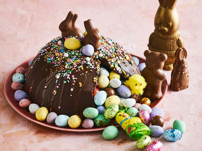 "**[Easter smash cake](https://www.womensweeklyfood.com.au/recipes/easter-smash-cake-31645|target=""_blank"")**   Crack the chocolate shell for a sweet surprise - the kids will love this one!"