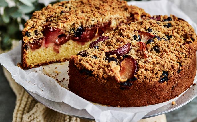 PLUM AND BLUEBERRY Crumble Cake