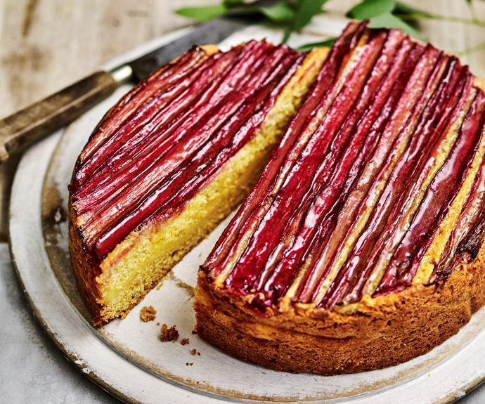 "**[Rhubarb custard tea cake](https://www.womensweeklyfood.com.au/recipes/rhubarb-custard-tea-cake-4199|target=""_blank"")**"
