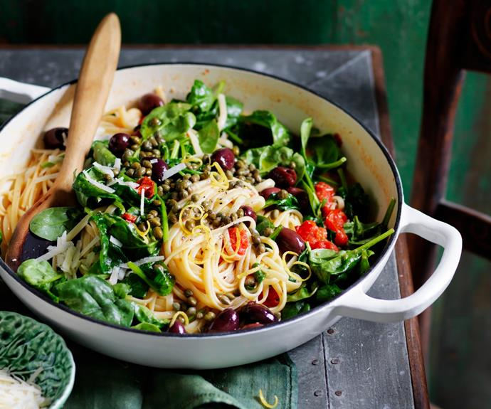 "**[Spinach, tomato and lemon one pot linguine](https://www.womensweeklyfood.com.au/recipes/one-pot-linguine-31710|target=""_blank"")**  Save washing up with this tasty vegetarian one pot pasta."